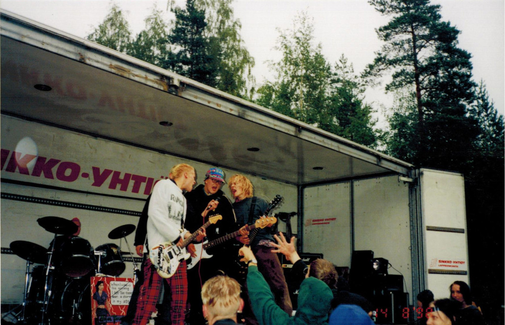 Anal Thunder Skate To Hell -tapahtumassa Paatsamakadulla vuonna 1998. Kuva: Vesku Hellsten