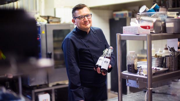 Chef Mikko Kinnari ja Hienostoglögit.