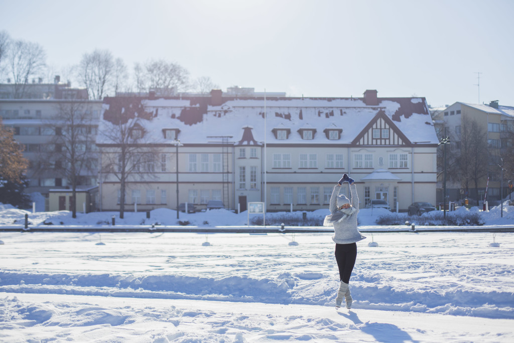 Kaupunginlahden elävöittäminen talviaikaan tarjoaa uusia kuvakulmia myös valokuviin. Kuva: Arttu Muukkonen